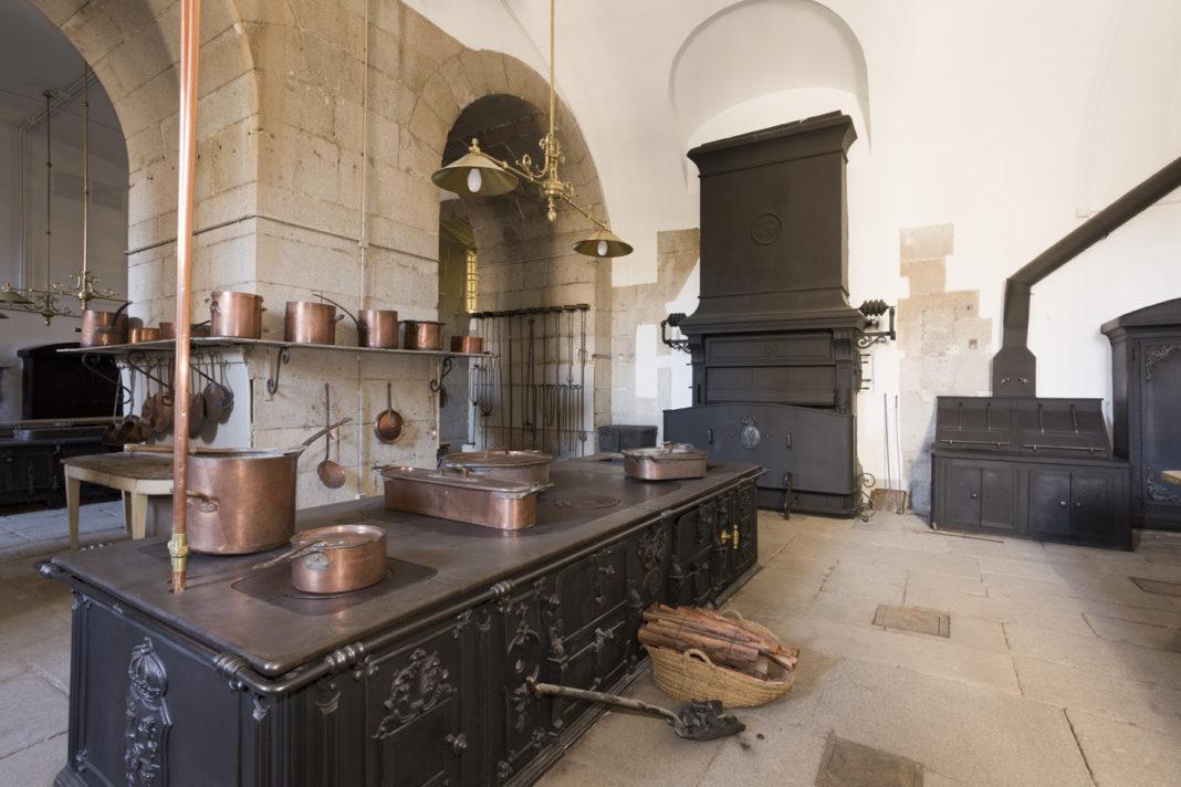 Las cocinas del palacio real se abren al p blico Cocinas antiguas