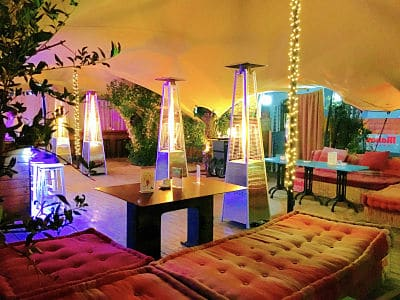 Doña Tecla Un Bar Y Restaurante Con Una Amplia Terraza